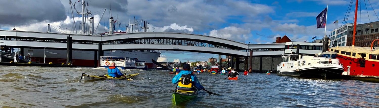 Alstergrachtenfahrt - Elbe - Überseebrücke